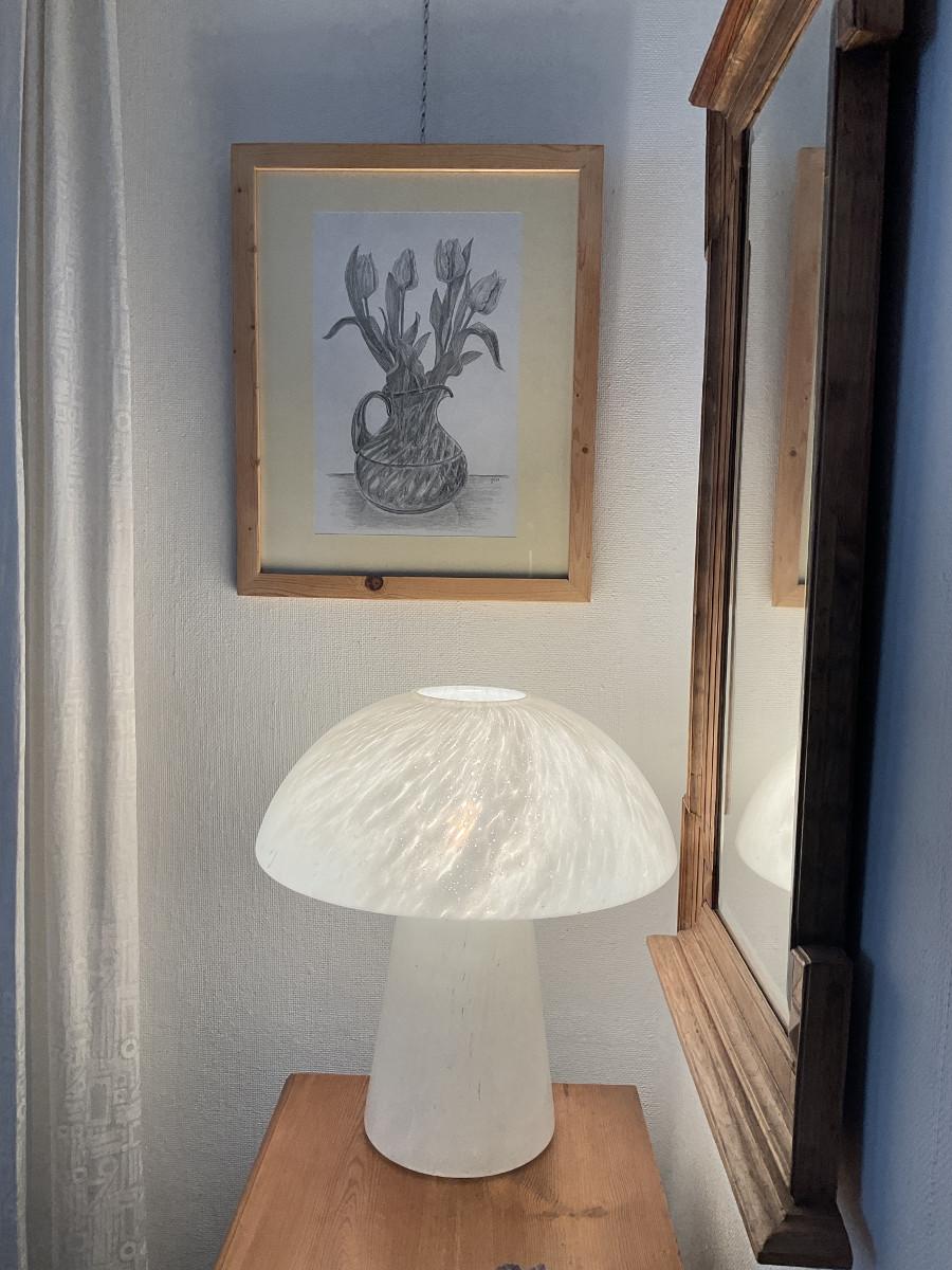 Tulpen in einer Glasvase, Zeichnung mit Bleistiften B2/B4 DIN A3, im Rahmen