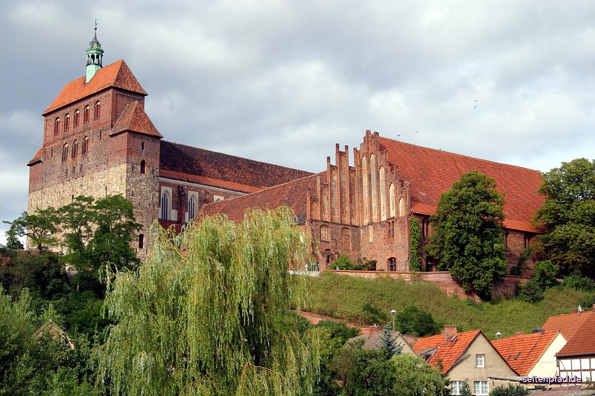 Blick über die Havel auf den Dom